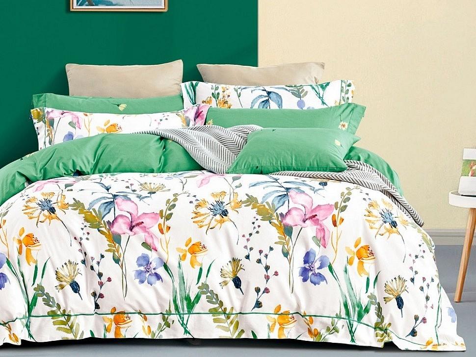 Яркое постельное белье Азабелла с цветами на лето