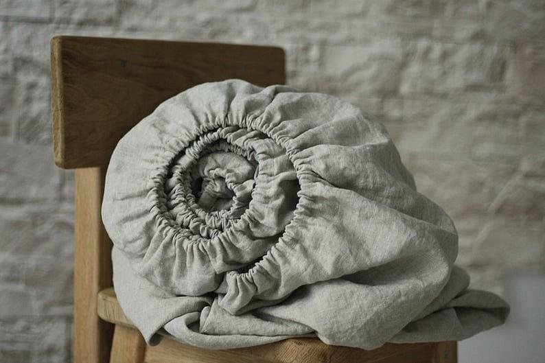 Льняная простынь на резинке Sheets